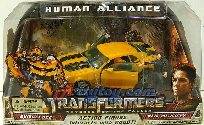 Transformers : Revenge of the fallen : Bumblebee + Sam Witwicky