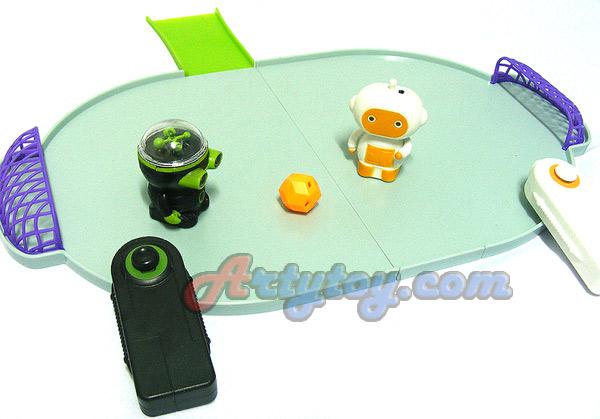 Shooter Robots(INB) หุ่นโรบอตนักเตะบังคับวิทยุ  มีไฟ และ เสียงเวลาเล่น