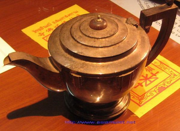 กาน้ำชาเงินโบราณจากอังกฤษ