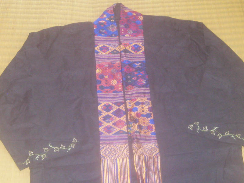 เสื้อคลุมผ้าลินิน อิตาลี ประดับด้วยผ้าไหม ลูกปัด