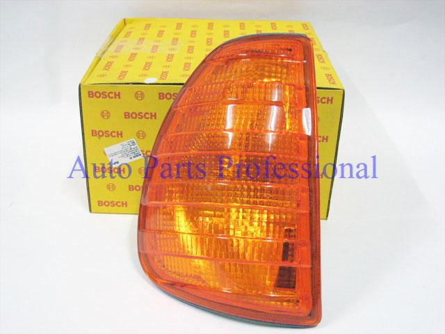 Auto Pro. ไฟเลี้ยวด้านข้างขวาสีอำพัน Bosch รถเบนซ์ W123 230 240D 300D 230E 280E