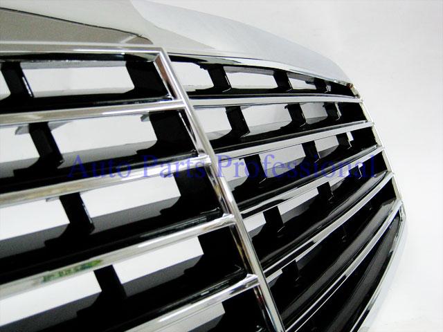 Auto Pro. กระจังหน้าสปอร์ตสีดำพร้อมกรอบโครเมี่ยมรถเบนซ์ AMG W211 รุ่น 4 ประตู ปี 2001 8211; 2006