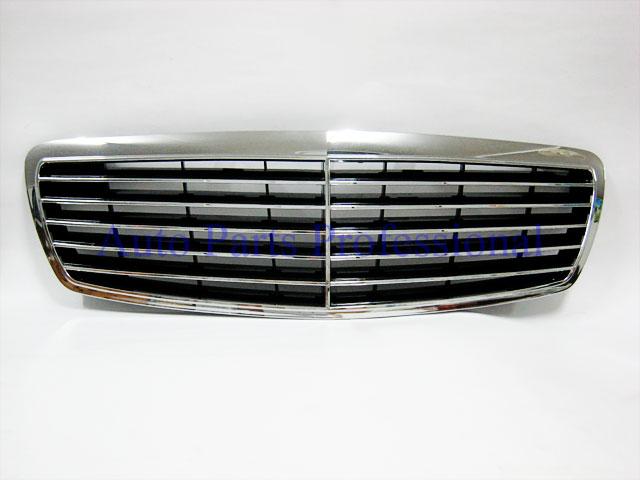 Auto Pro. กระจังหน้าสปอร์ตสีดำพร้อมกรอบโครเมี่ยมรถเบนซ์ AMG W211 รุ่น 4 ประตู ปี 2001 8211; 2006 1