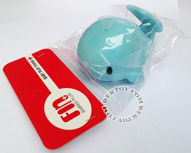 ยางบีบลอยน้ำโลมา สีฟ้า Fin Toy-1012