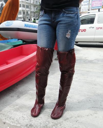 รองเท้าบู๊ทกันน้ำ