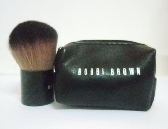 แปรงคาบูกิ  KABUKI ของ BOBBI BROWN พร้อมกระเป๋าเก็บแปรง