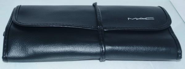 ชุดแปรงแต่งหน้า MAC 15 ชิ้น ในกระเป๋าหนังสวยหรู งานคุณภาพ