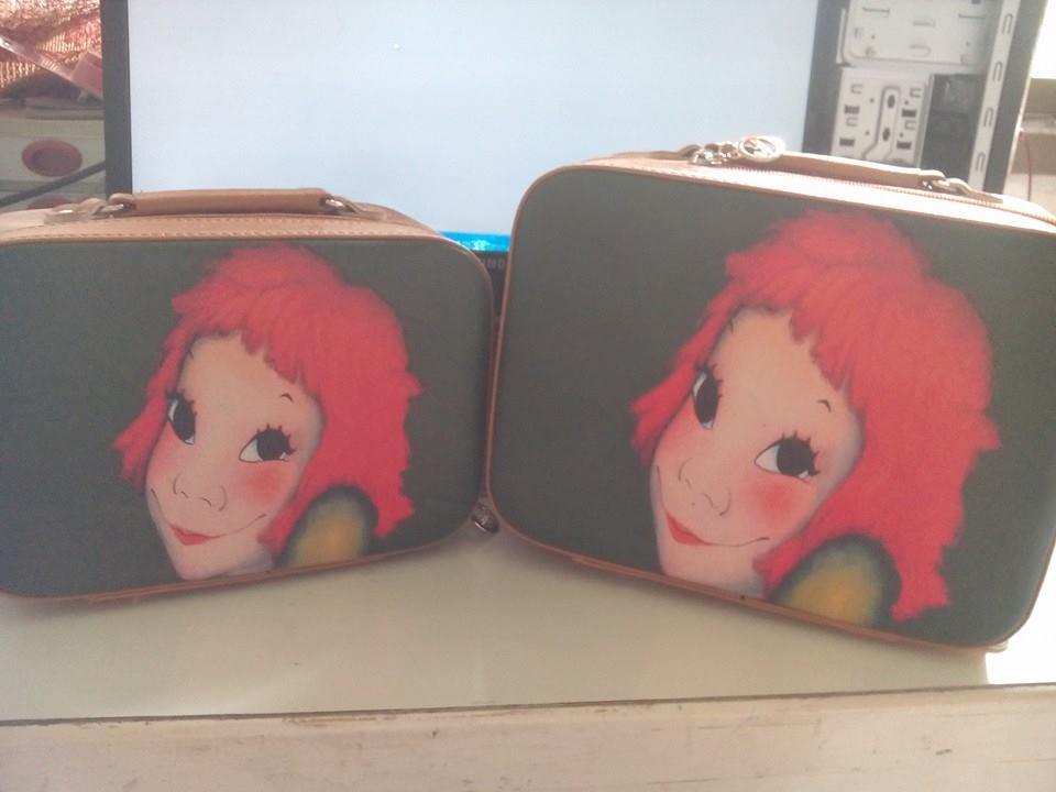 กระเป๋าเครื่องสำอางค์ ลายแฟชั่น มีกระจกในตัวเซตนึงมี 2 ใบคุ้มค่ามากๆเลย