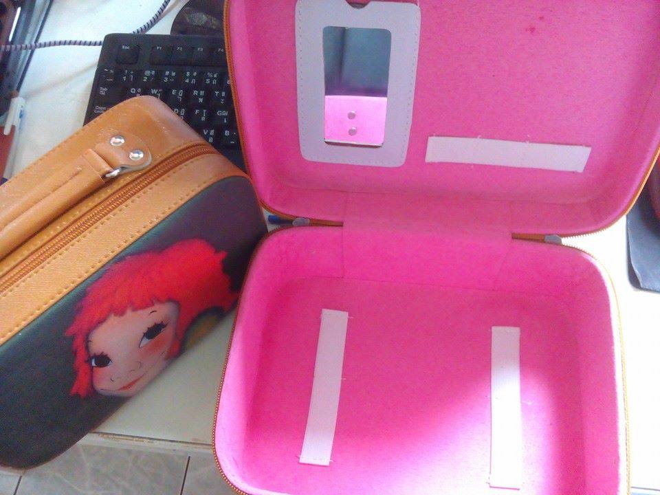 กระเป๋าเครื่องสำอางค์ ลายแฟชั่น มีกระจกในตัวเซตนึงมี 2 ใบคุ้มค่ามากๆเลย 1