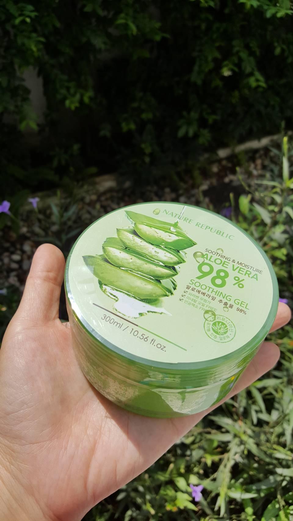 Nature Republic Aloe vera Soothing gel 98 ขนาด300ml เจลว่านหางจระเข้เอนกประสงค์