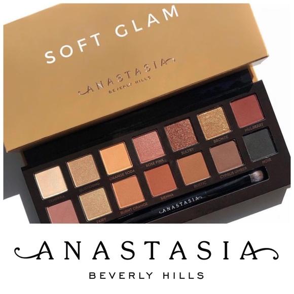 Anastasia Beverly Hills Soft Glam Palette พาเลทอายแชโดว์ 14 สี กล่องกำมะหยี่น้ำตาลทองรุ่นใหม่