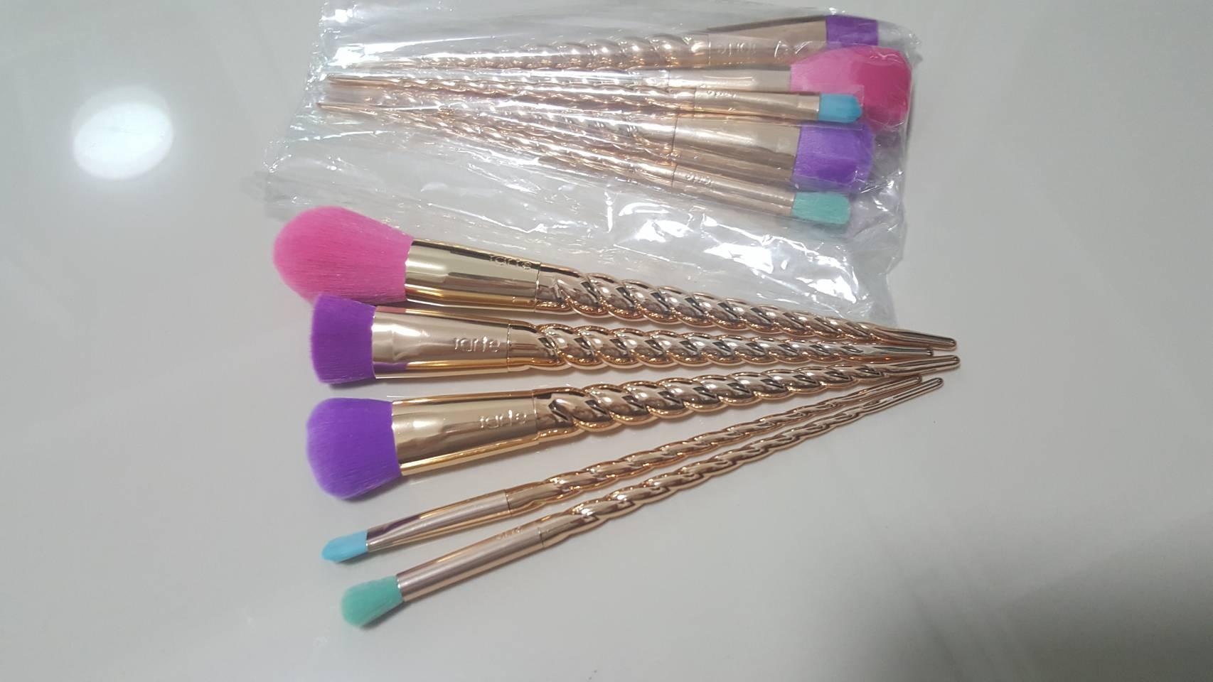 tarte Magic Wands Brush Set เซตกล่อง 5 ชิ้น (No box) ถ่ายจากสินค้าจริง