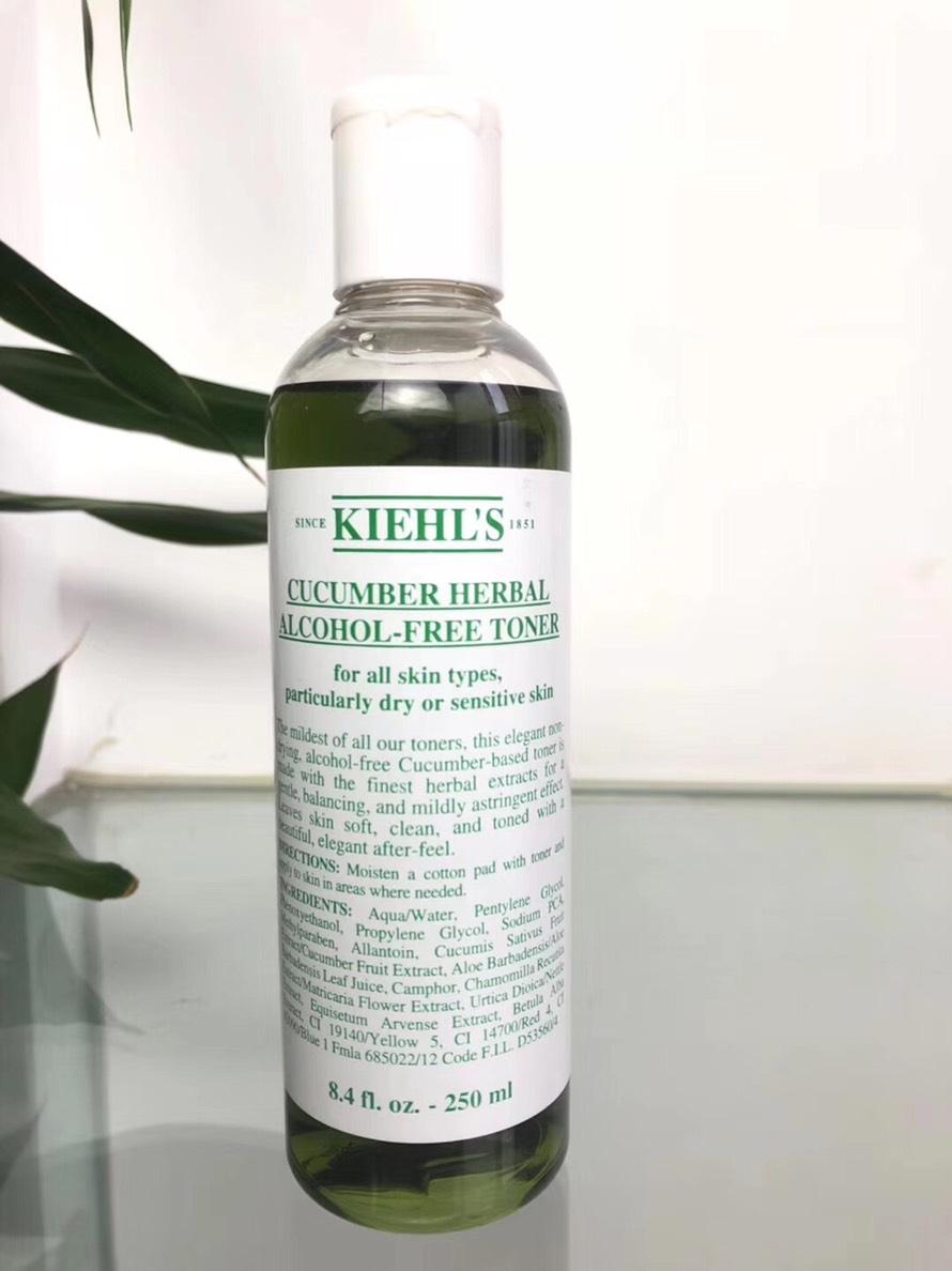 KIEHL\'S โทนเนอร์ Cucumber Herbal Alcohol-Free Toner ขนาด 250 มล.โทนเนอร์แตงกวา