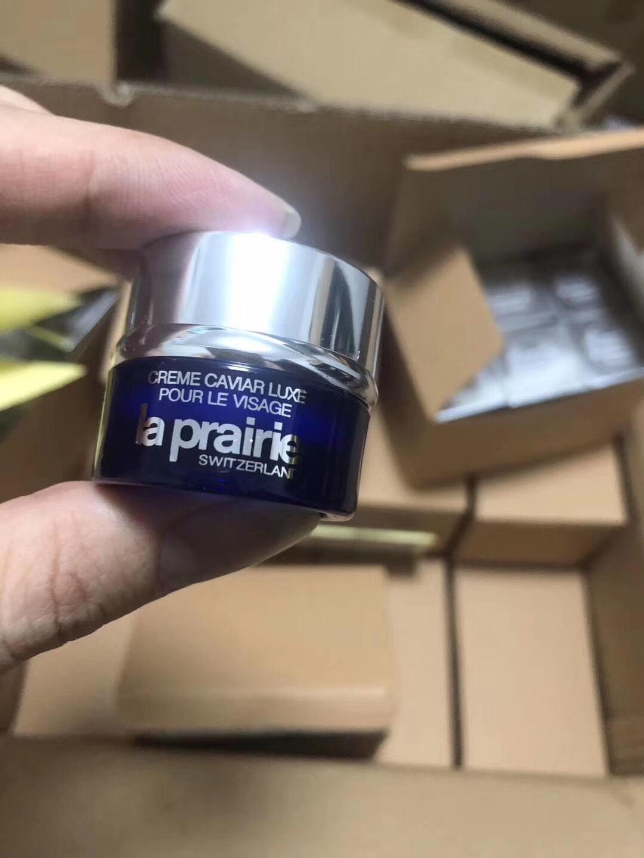 LA PRAIRIE  ผลิตภัณฑ์บำรุงผิวหน้า Skin Caviar Absolute Filler  5 มล. ขนาดทดลองมีกล่องจ้า