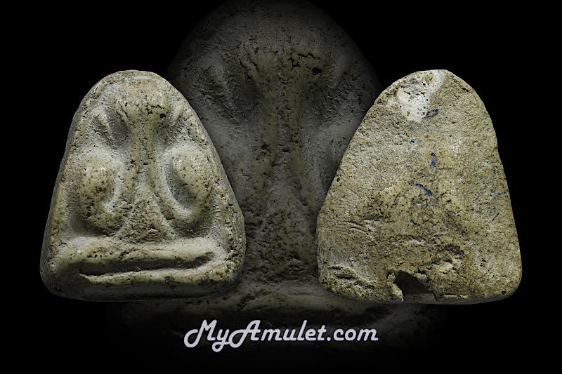 พระปิดตา เนื้อขาวอมเขียว วัดประสาทฯ ปี 2506