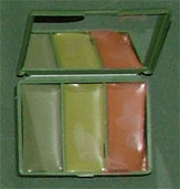 สีพรางหน้าทหารแบบตลับสี่เหลี่ยม