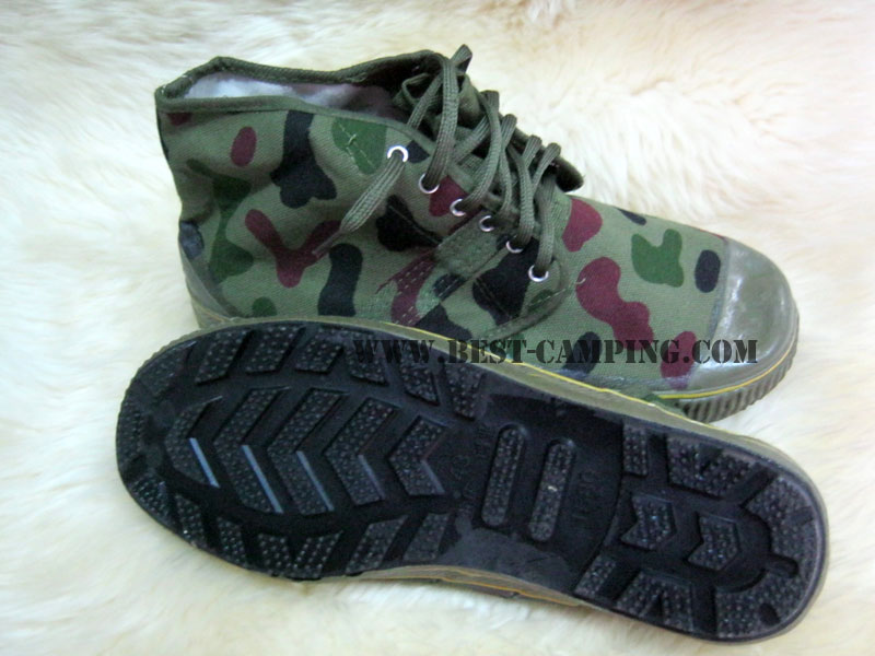 รองเท้าเดินป่าจีนแดง,สีลายพราง,รองเท้าเดินป่า