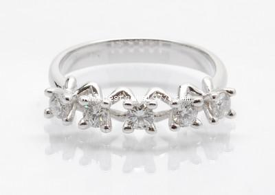 RM213 แหวนเพชรทรงมงกุฎ