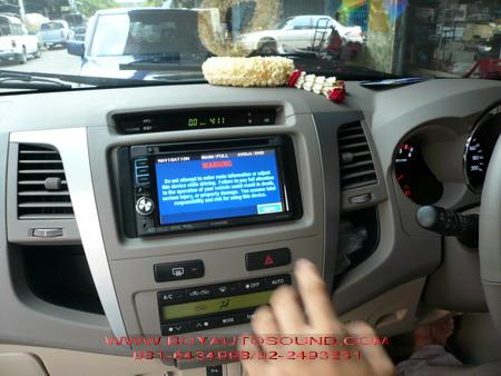 TOYOTA FORTUNER จับคู่กับ เครื่องเล่น KENWOOD DDX 5032 โฉบเฉี่ยว ครบฟังก์ชั่นพร้อม GPS แผนที่นำทาง