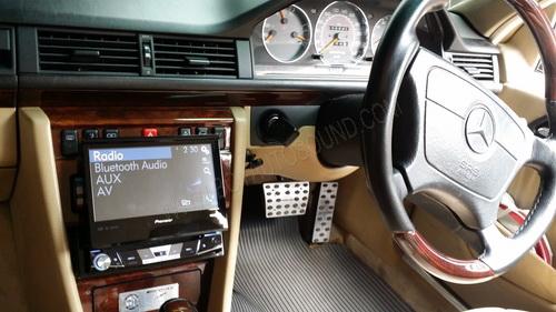 BENZ W124 ใส่จอไซส์ 1din PIONEER AVH-X6750bt รุ่นมีบลูทูธในตัว  ใช้งานคู่กับ ipad ผ่านสายชาร์จ