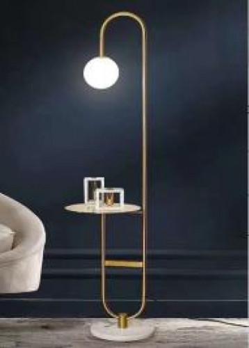 โคมไฟตั้งพื้น สีทอง