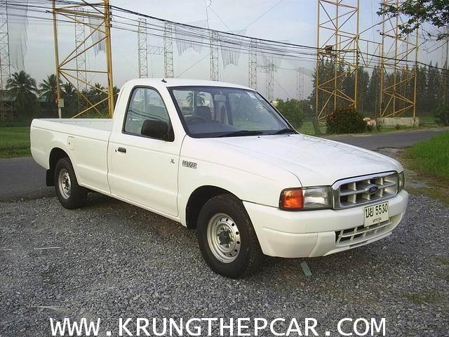 .ขาย FORD RANGER 2.9XL ปี 2001 สีขาว เกียร์ธรรมดา พวงมาลัยพาวเวอร์ รถกระบะช่วงยาว $A05