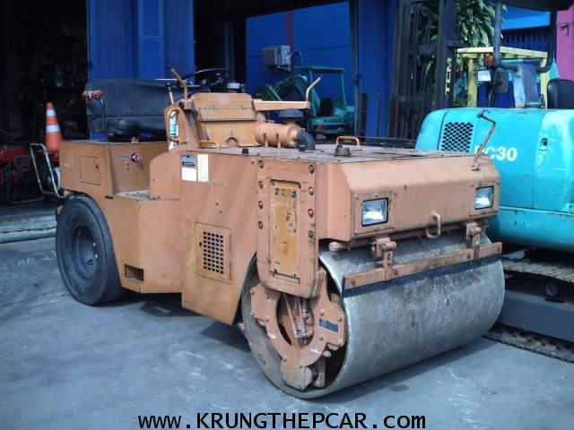 .ขาย รถบดถนน ขนาด4ตัน สั่นสะเทือนได้7ตัน SAKAI TW41 สีเดิมทั่งคัน เครื่องยนต์อีซูซุ $A25-N6AN.