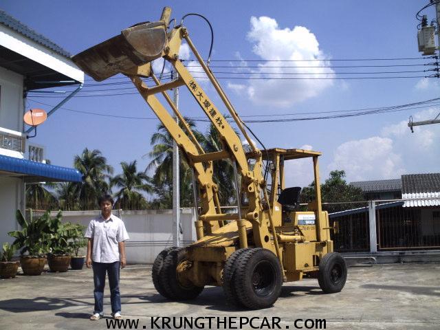 .ขาย รถตัก KOMATSU SD23-3 ยกได้สูง4เมตร สีเดิมทั้งคัน รถนอก พร้อมใช้ $A13-N6SS-