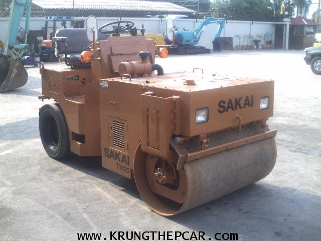 .ขาย รถบดถนน รถบดเอวอ่อน SAKAI TW25 ขนาด 2.5ตัน สั่นสะเทือนได้เท่ากับ5ตัน ทำสีใหม่  รถนอก$A13-S6AS.