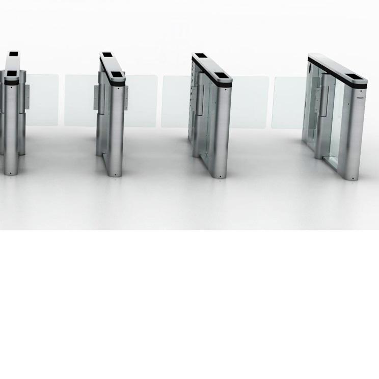 ประตูกั้นทางเดินเข้าออกแบบกระจก มีช่องพิเศษ สำหรับกระเป๋าใบใหญ่ และสำหรับรถเข็นคนพิการ 7