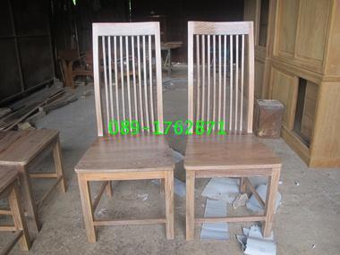 เก้าอี้ซี่ไม้สักกระโปรงสั้น