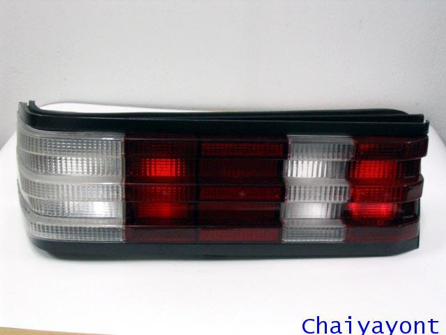 ฝาไฟท้าย ซ้าย-ขวา สีขาว Mercedes - Benz W201 190E
