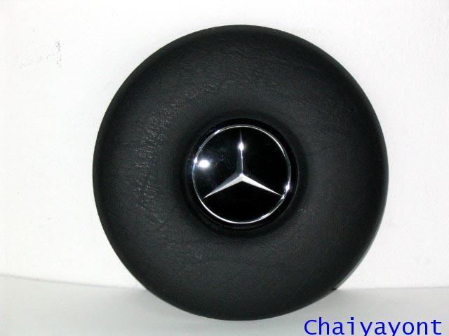 วงกดแตรพวงมาลัยสีดำเบนซ์ Mercedes - Benz W114 W115 200/8