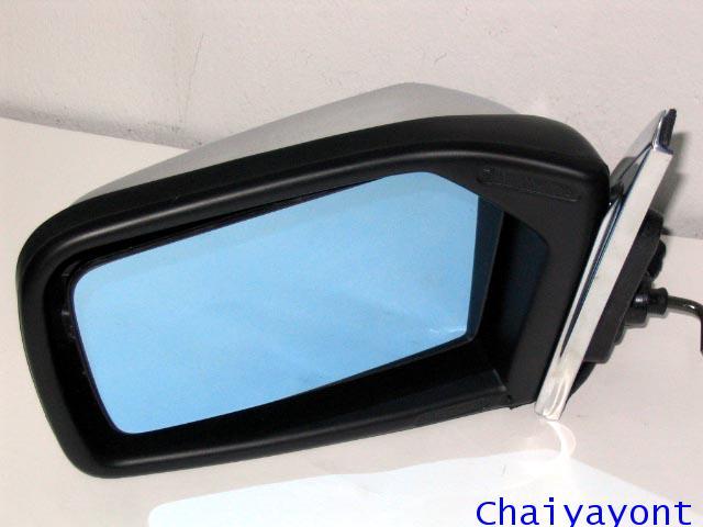 กระจกมองข้างซ้ายทั้งชุดรถเบนซ์ Mercedes-Benz W123