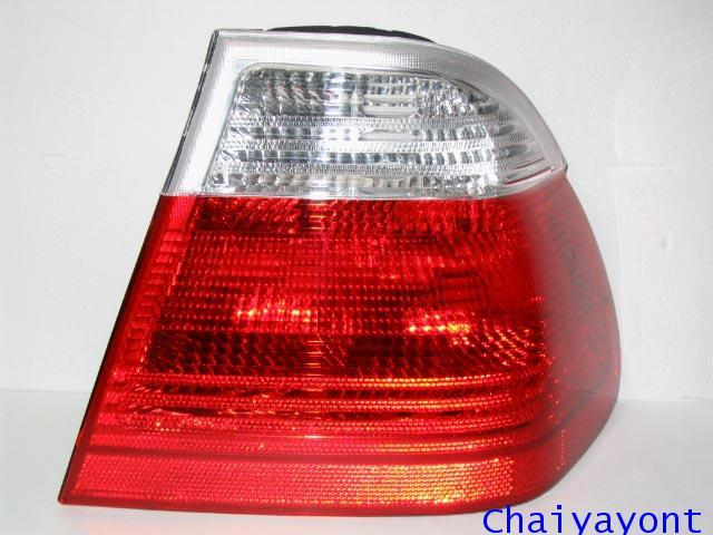 ไฟท้ายขวาชุดแต่งทั้งชุดสีขาว-แดง ULO รถ BMW E46 318i 320i 325i Series 3