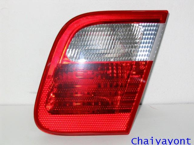 ไฟท้ายด้านในข้างขวาชุดแต่งสีขาว-แดง ULO รถ BMW E46 318i 320i 325i Series 3