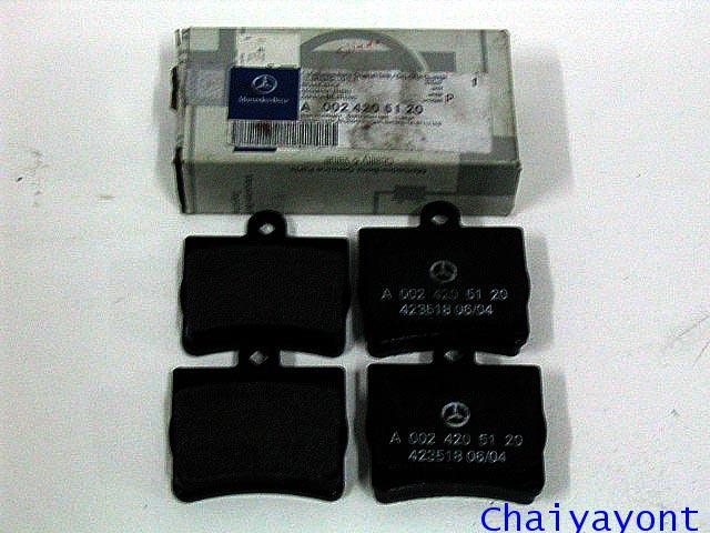 ผ้าเบรคหลังของแท้รถเบนซ์ Mercedes - Benz W203 C200 CDI Kompressor New C-Class