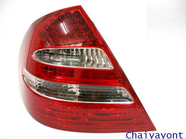 ชุดแต่งฝาไฟท้ายตาเพชรด้านซ้ายรถเบนซ์ LED Mercedes - Benz W211 E240 New-Eye