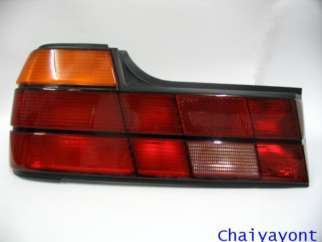 ไฟท้ายด้านซ้ายทั้งชุดรถบีเอ็มดับบลิว BMW 728i 730i 740i E32 Series 7