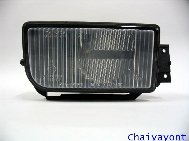 ไฟตัดหมอก ไฟสปอตไลท์ Spot Light ด้านขวารถบีเอ็มดับบลิว BMW 720i 728i 730i E32 Series 7