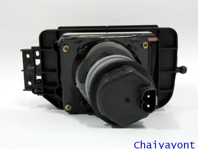 ไฟตัดหมอก ไฟสปอตไลท์ Spot Light ด้านขวารถบีเอ็มดับบลิว BMW 720i 728i 730i E32 Series 7 2
