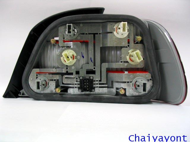 ไฟท้ายด้านซ้ายตาเพชรใสสีขาวแดงรถบีเอ็มดับบลิว BMW E38 728i 730i 730iL 735i 735iL 740i 740iL Series 7 3