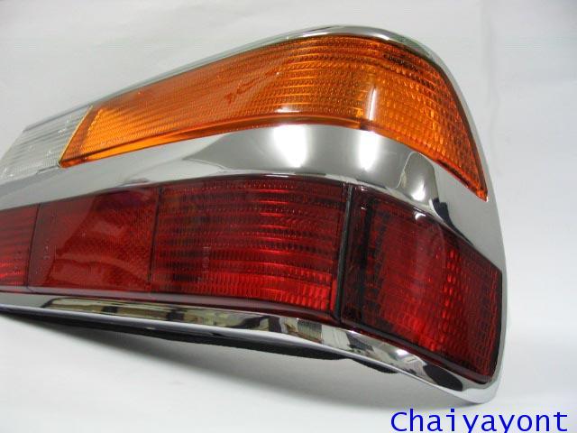 ไฟท้ายทั้งดวงด้านขวารถบีเอ็มโบราณคลาสสิค Classic  Auto Vintage BMW 518i 520i 525i E28 1