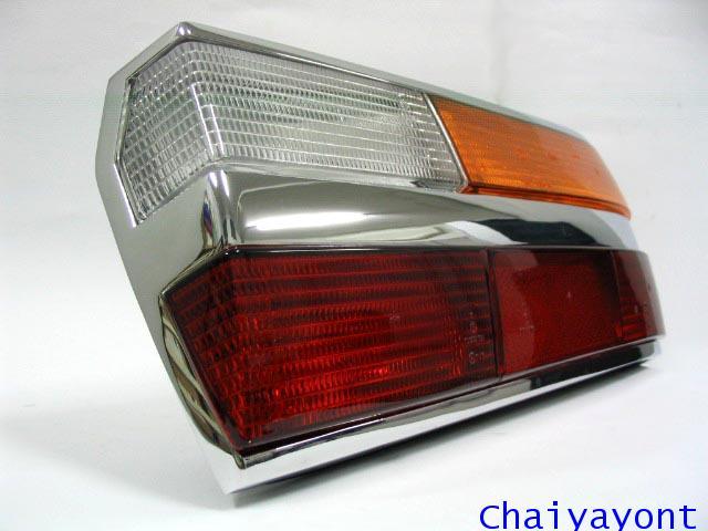 ไฟท้ายทั้งดวงด้านขวารถบีเอ็มโบราณคลาสสิค Classic  Auto Vintage BMW 518i 520i 525i E28 2