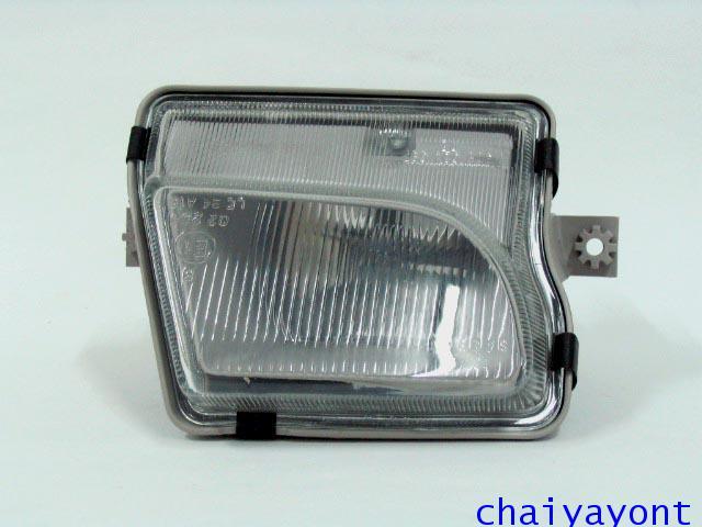 ไฟตัดหมอก ไฟสปอตไลท์ Spot Light ด้านขวารถเบนซ์ Mercedes-Benz W129 SL280 SL320 SL500 SL600  300SL AMG 1