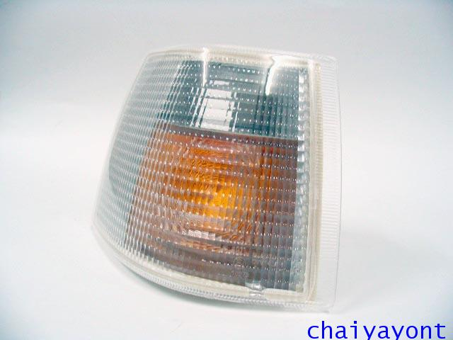 ไฟเลี้ยวด้านขวาสีขาวไฟส้มรถวอลโว่ Volvo 850 1