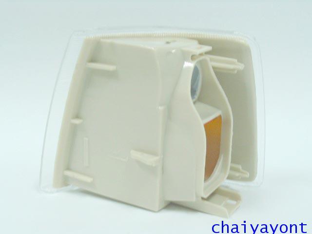 ไฟเลี้ยวด้านขวาสีขาวไฟส้มรถวอลโว่ Volvo 850 5