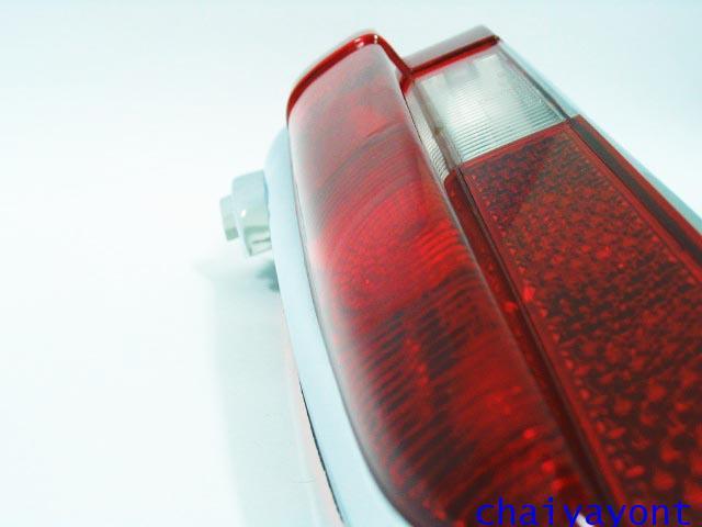ฝาไฟท้ายด้านขวา 2 ขยัก รถเบนซ์หางปลา Classic Mercedes-Benz W110 W111 190C 190Dc  200C 220B 220SEC 7