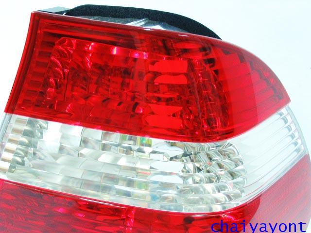 ฝาไฟท้ายขาวแดงเพชร ด้านขวา M3 BMW E46 316i 318i 320i 323i 325i M43 N42 N46 M52 M54 Series 3