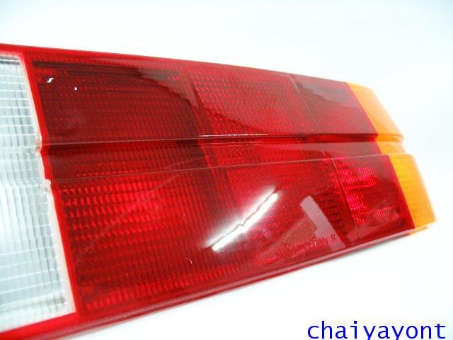 ฝาไฟท้าย ด้านขวา BMW E30 316 M10 316i 318i 320i 320is 323i 325i Series 3